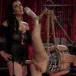imagen Morena sodomiza a su esclava transexual