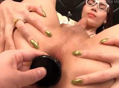 Juegos anales con una putita transexual